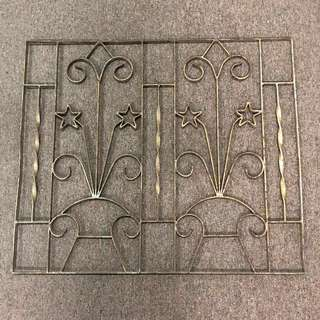 Window grill (medium)