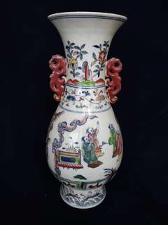 Ming dynasty Cheng Hua mark bright brilliant contrast color gkazed vased 38cm high . ,大明成化年款斗彩并。