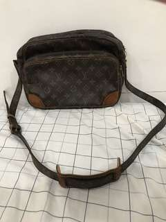 Louis Vuitton LV Nil messenger bag vintage