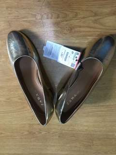 Zara Gold heels BRAND NEW!