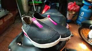 Black Pink shoes slop sepatu hitam