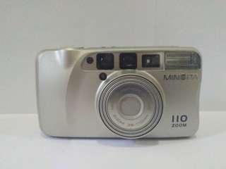 Kamera analog minolta 110 zoom date