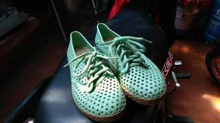 Polka jelly shoes