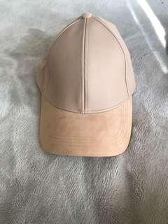 Bardot cap