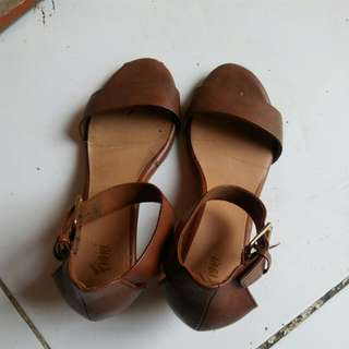 Sepatu ankle