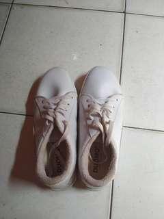 White sneakers free ongkir Jabodetabek