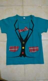 T-shirt dasi