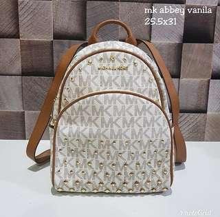 MK Abbey Vanilla