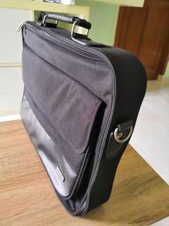 Toshiba Laptop Bag Briefcase Sling design