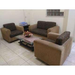 1 Set Sofa & Meja Kaca