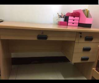 Study table or office desk