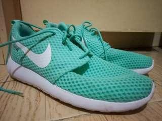 Nike Roshe One BR (US SIZE: 8.5)