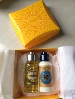 (NEW) L'Occitane travel set (Almond Shower Oil & Body Lotion)