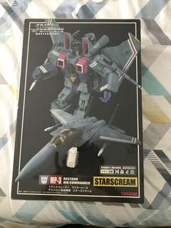 Takara Masterpiece Starscream