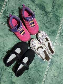 Bundle toddler shoes