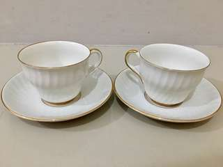White / Gold teacups with saucer
