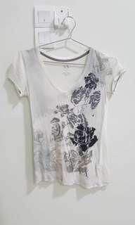 🚚 Armani ladies t-shirt