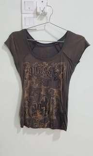 🚚 Guess ladies t-shirt
