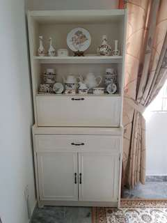 Buffet and Hutch (Display items not included)