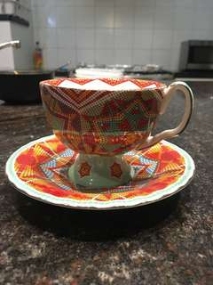 Tea cup and a saucer T2