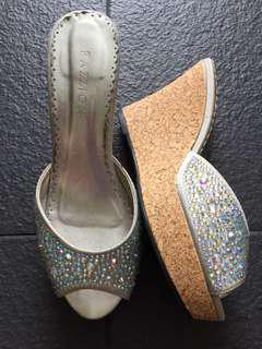 Pazzion wedges