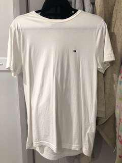 AUTHENTIC TOMMY HILFIGER WHITE T-SHIRT