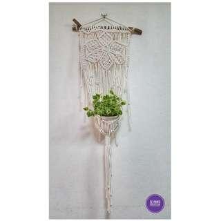 🖐 Handmade Macrame Plant Hanger 🖐 H010