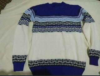 Sweater wanita