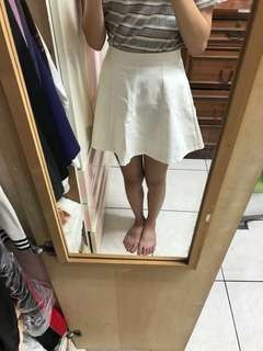 🚚 米白澎澎裙