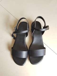 Parisian SM duty shoes