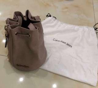 Calvin Klein水桶包 CK