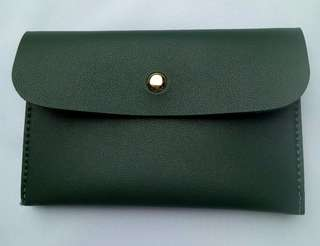 Green Minimalist Leather Pouch