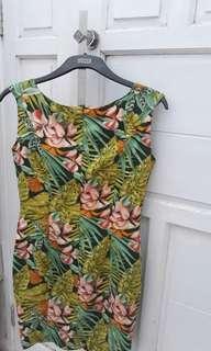 Flower mini dress..trn hrg!!