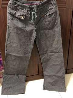 🚚 灰色直筒長褲