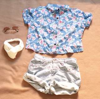 Trendy floral polo crop top