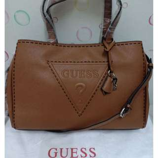 AUTHENTIC GUESS BALWIND PARK IN QUILTED LOOK STYLE