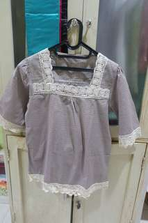 Blouse square brown