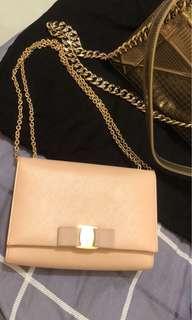 Ferragamo Vera bag 19cm gold chain