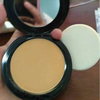 Preloved Bedak Make over Two way cake shade 04