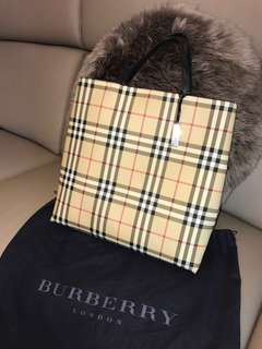 Authentic Burberry London Classic Nova Check Tote