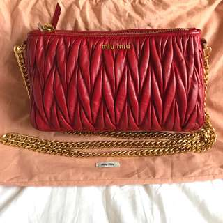 ✨全新✨MIU MIU RED Cross body bag 斜咩袋