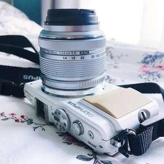 Olympus E-PL5 Digital Camera Whole Set