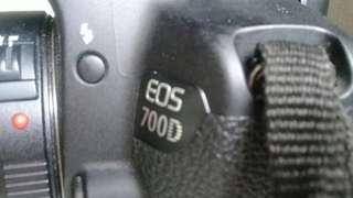 Canon Eos 700D. Lens Tamron  18 200mm Plus Charger.