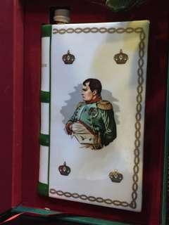 Camus Napoleon  金花 瓷書樽 拿破崙