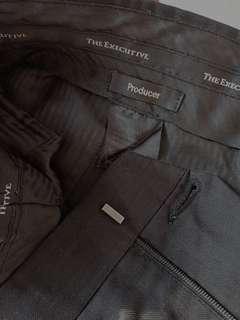 The Executive (celana kantor/bahan)