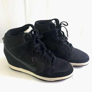 NIKE Dunk Sky Hi Sneakers / Black