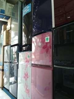 Jual berbagai macam dan merk kulkas, tv, mesin cuci, magicom, ricecooker, AC dan elektronik lain nya