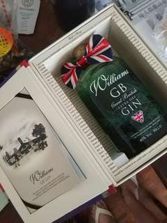 Limited Edition Williams Gin gift box not whisky