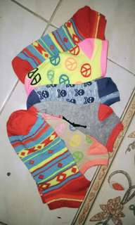 Kaos kaki pendek motif