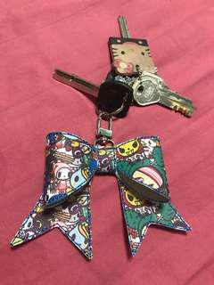 Tokidoki bow keychain/hair clip